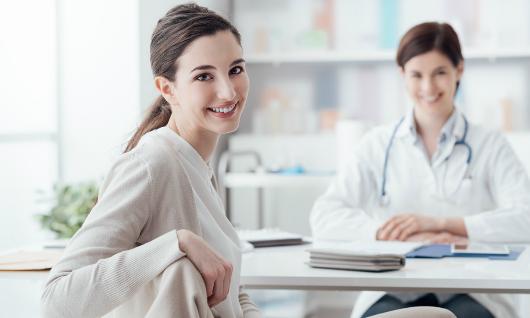 Seguimiento al paciente para evaluar experiencia
