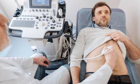 realización de una ecografía abdominal